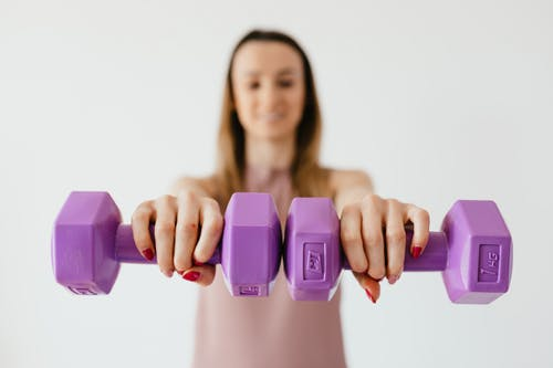 For Beginners : First to Lose Weight or Gain Muscle Mass?